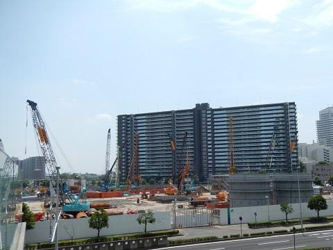 建設中のさいたま新都心赤十字病院と小児医療センター