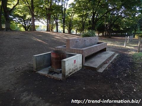 赤塚公園のバーベキュー場の炭置き場
